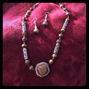 Jewelry - Designer brown stone beaded necklace
